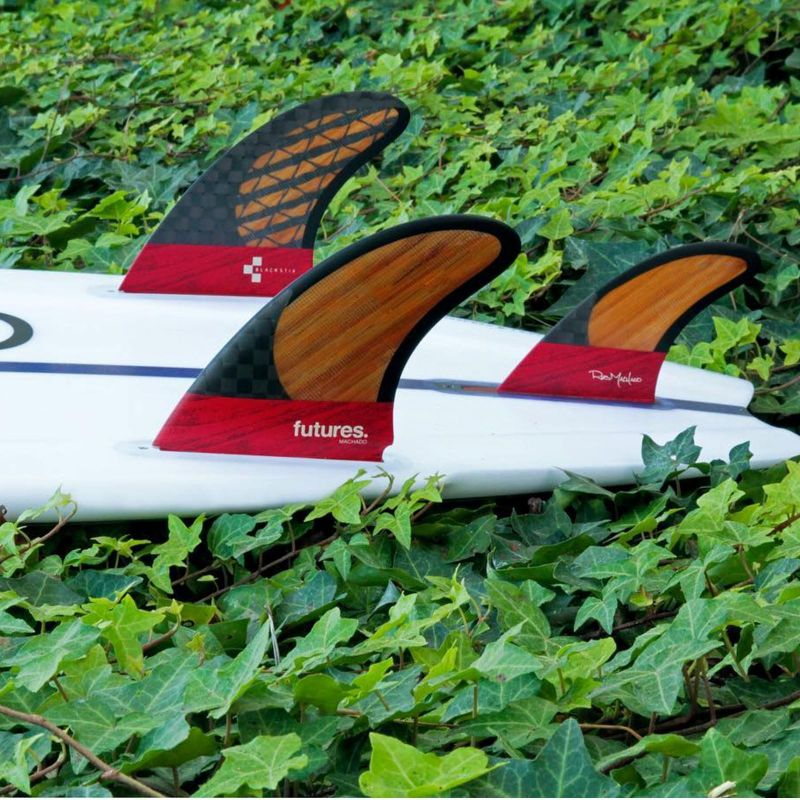 FUTURES Twin Tri Fin Set Machado Blackstix